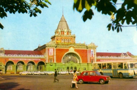 Old paint scheme of Chernihiv station