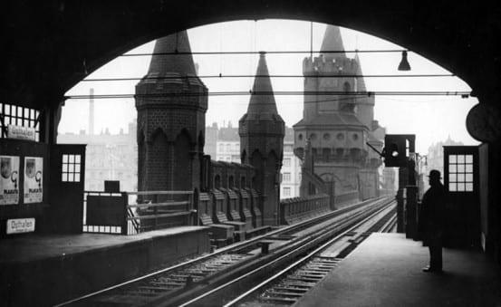 Warschauer brücke station, 1932