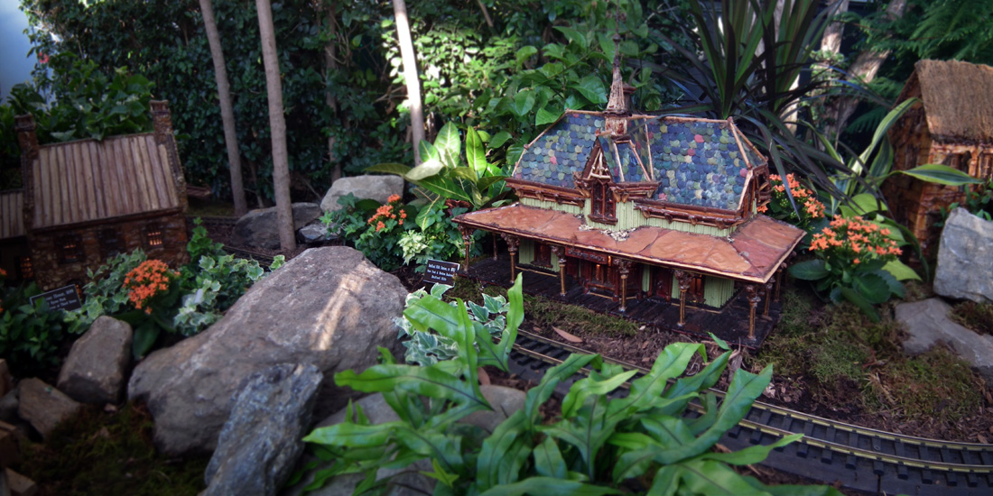 Photos From The Holiday Train Show At The Botanical Garden I Ride The Harlem Line