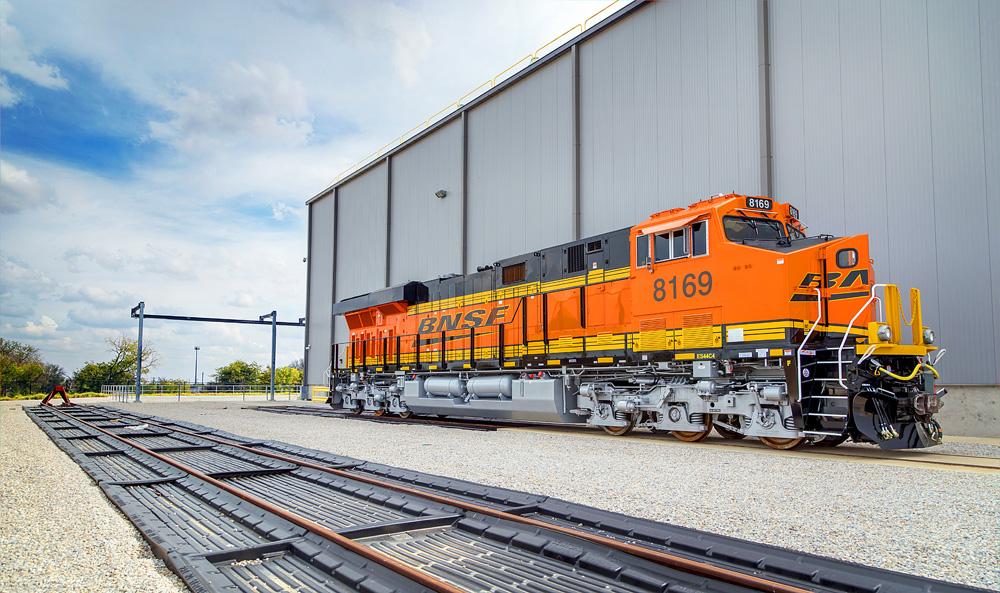 Geinstawalk  U2013 Touring Ge U2019s Rail Locomotive Production