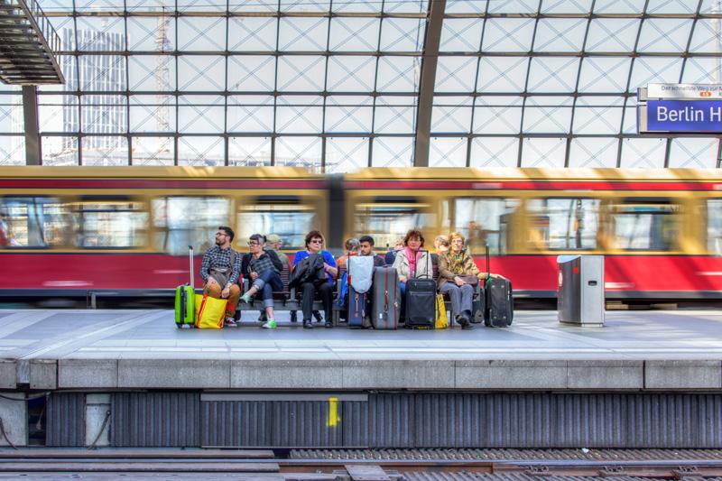 a trip to berlin s hauptbahnhof i ride the harlem line. Black Bedroom Furniture Sets. Home Design Ideas
